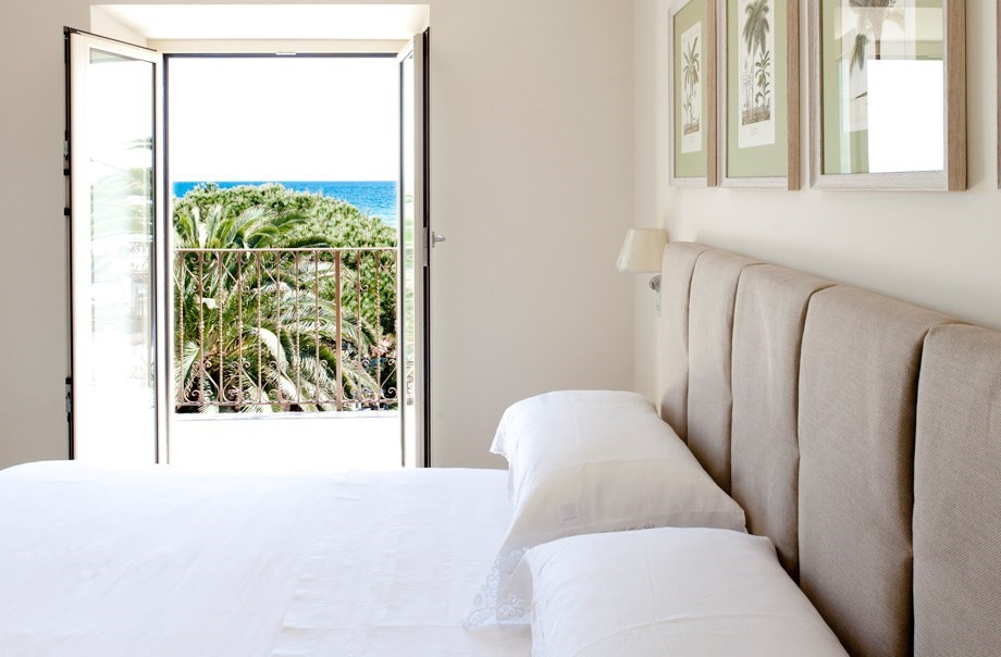 Double room with beautiful ocean view in Hotel San Pietro Palace