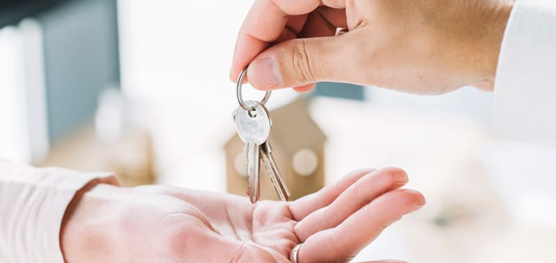 Vendere una casa: vendere da soli o assumere un agente immobiliare?