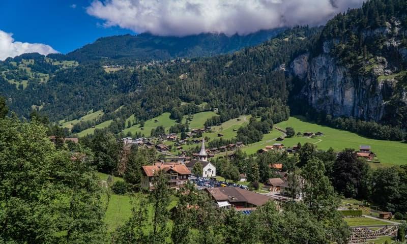 Home office: area rurale con case in Svizzera