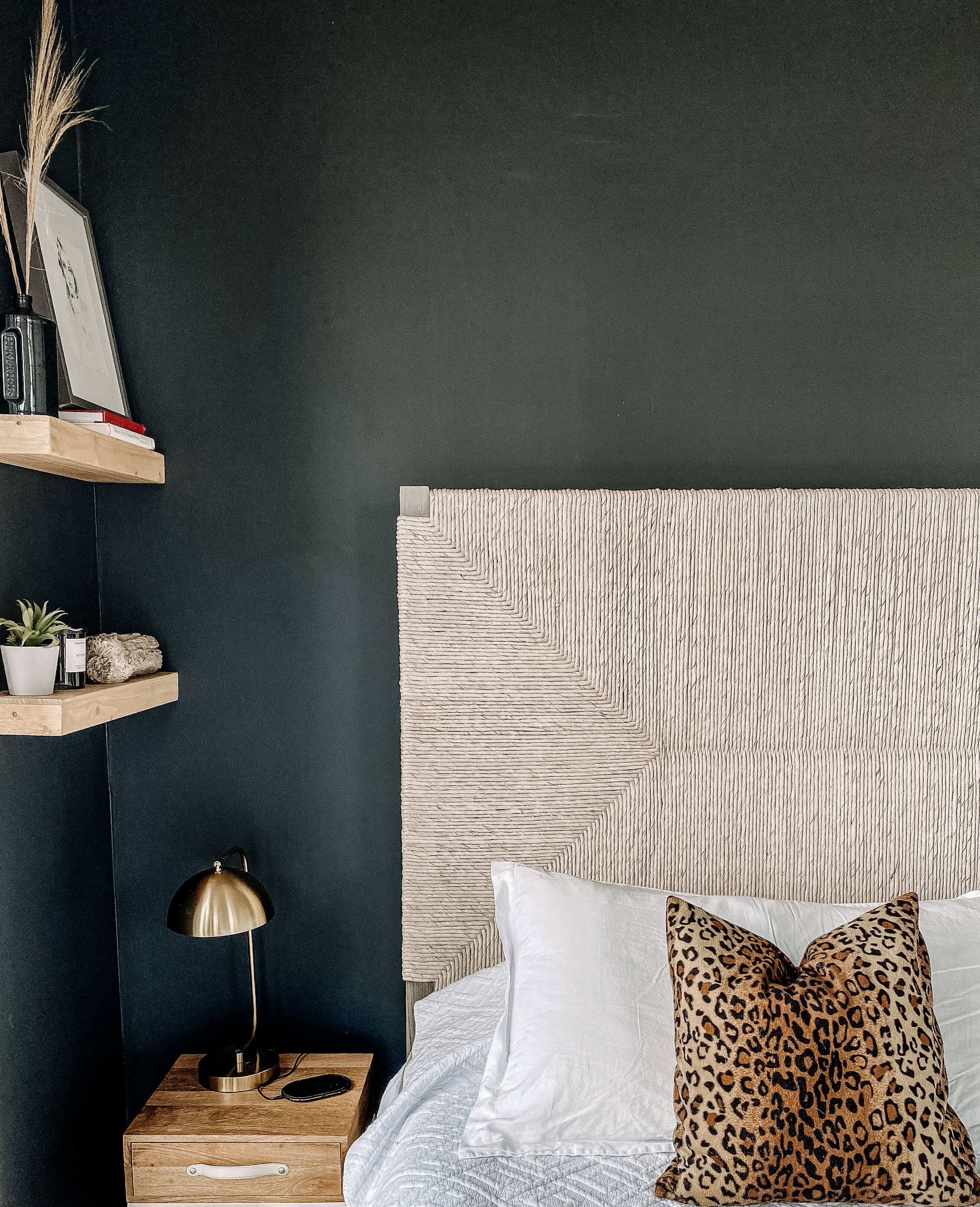 Black accent wall bedroom