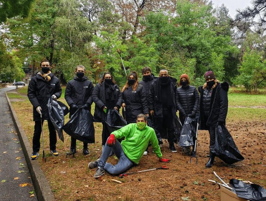 Cleanwalk organisée par Lakaa pour Regency Limo Coach à la Fondation Goodplanet