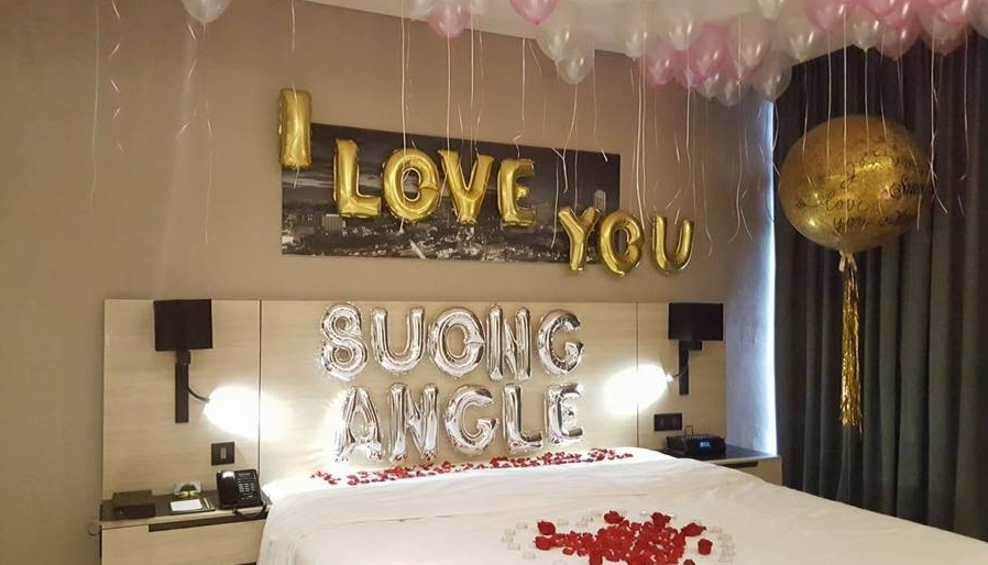trang trí sinh nhật trong phòng ngủ