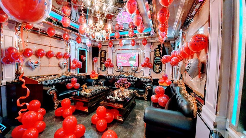 trang trí sinh nhật phòng karaoke
