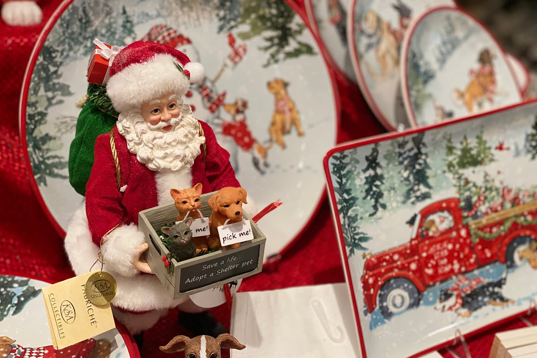 Save a Life - Adopt a Pet Santa Claus Figurine