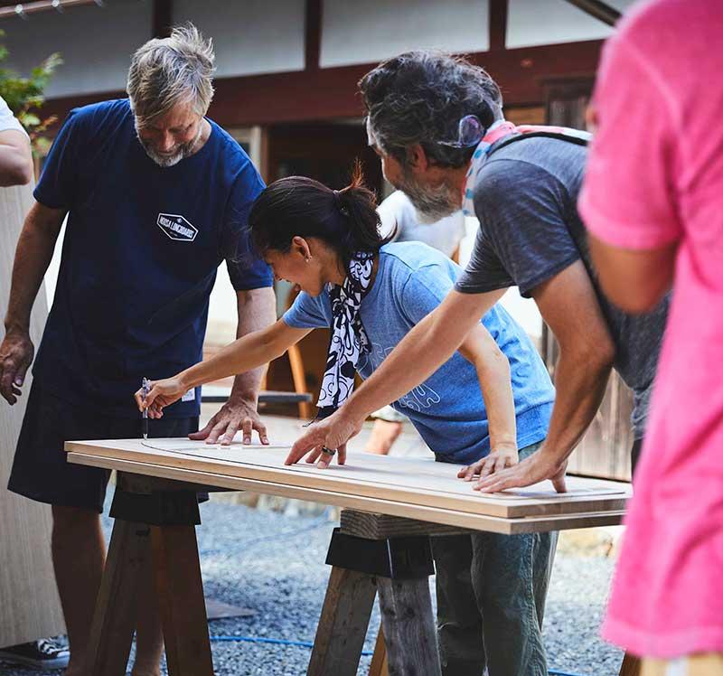 サーフボード職人による木のサーフボードづくりワークショップ