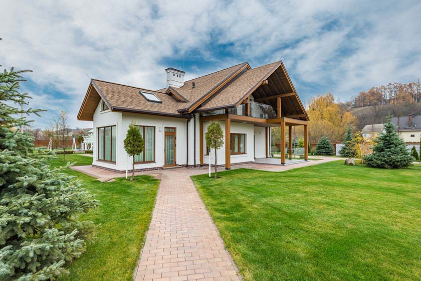 rent smaller house to save money for house deposit