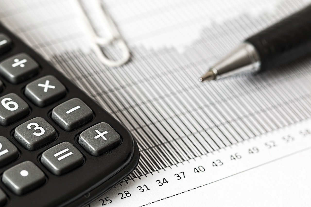 managing a calculated risk of interest free loans