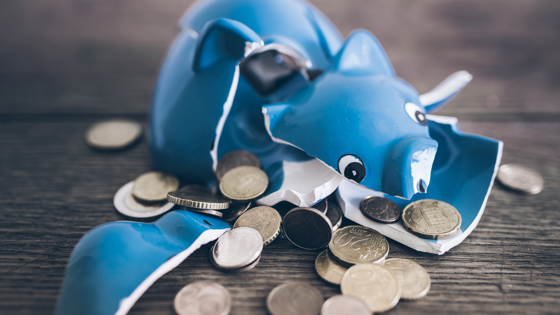 9 Signs You're Headed for Personal Bankruptcy