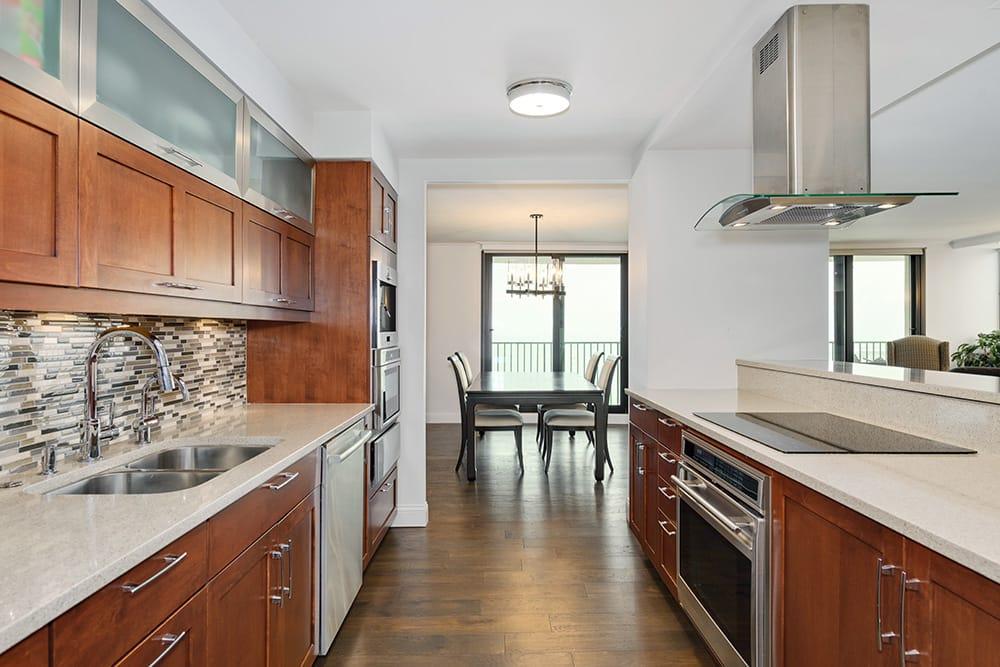 Gold Coast Kitchen & Bath Remodel