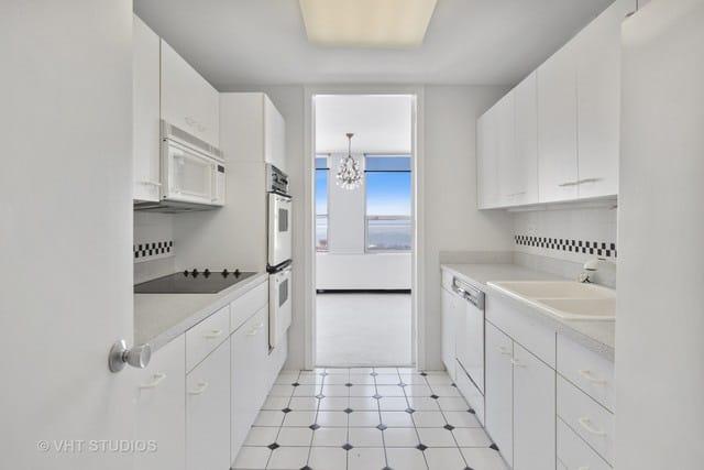 Lincoln Park Kitchen & Bathroom Remodel