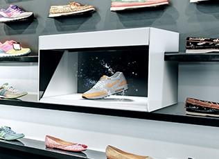 De Dreamoc POP3 is de perfecte oplossing voor holografische presentaties op beurzen, retail omgevingen en in experience rooms.