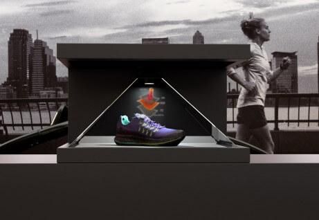 De Dreamoc HD3.2 is de perfecte oplossing voor holografische presentaties op beurzen, retail omgevingen en in experience rooms.