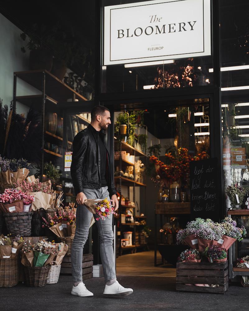 Kariem vor der Bloomery