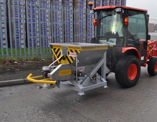 Compact Tractor Salt Spreader PDS150T 03
