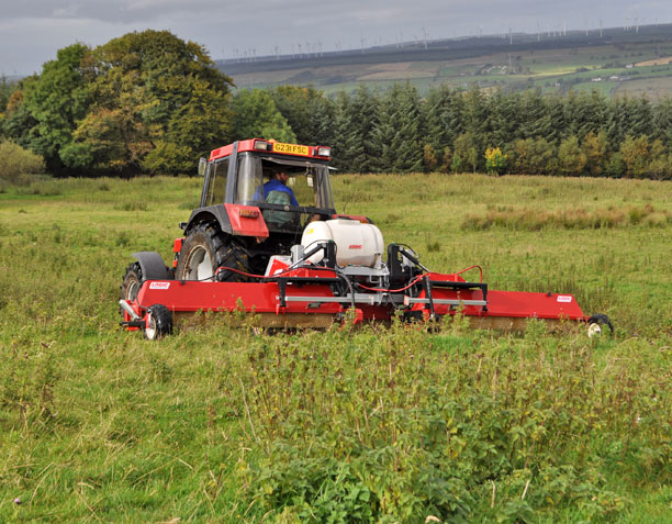 Tractor Mounted Weed Wiper - CTM600 (Grassland) 04