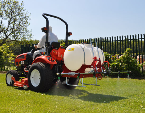 Three Point Linkage Tractor Mounted Sprayer System TPS on site 01