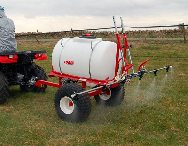 Trailed ATV Sprayer TS400 working