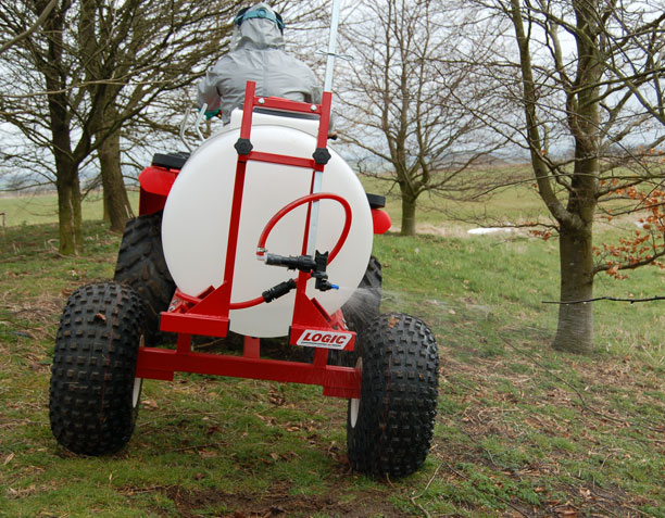 Trailed ATV Sprayer TS400 at work