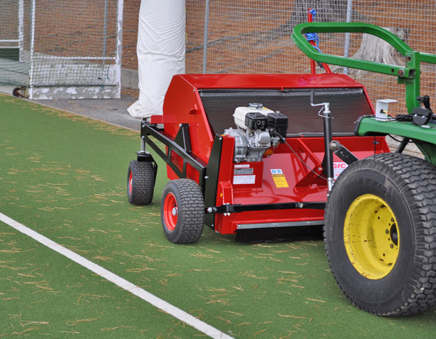 Pro Sweep MSP (Mesh Bottom) Sweeper in action 02