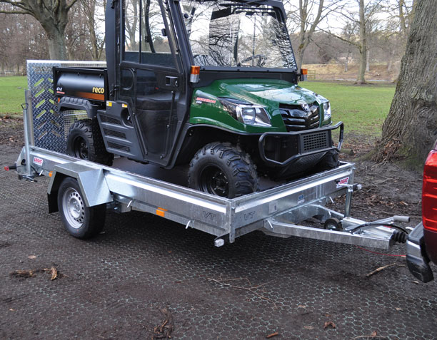 UTV Trailer Logic VT carrying UTV 002