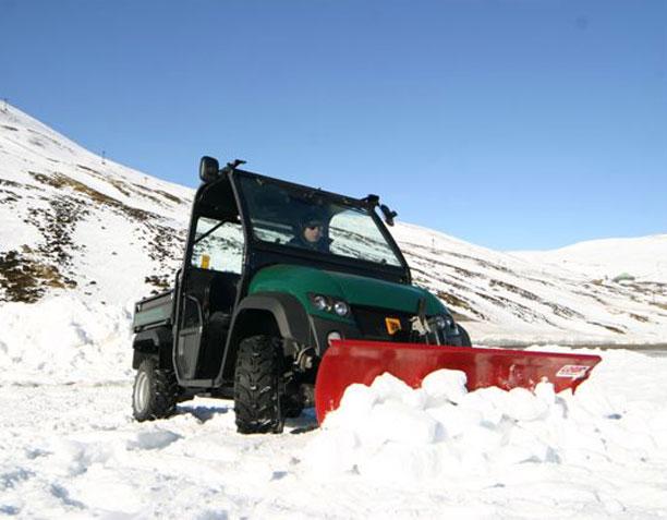 UTV Snow Plough UTS201 in heavy snow