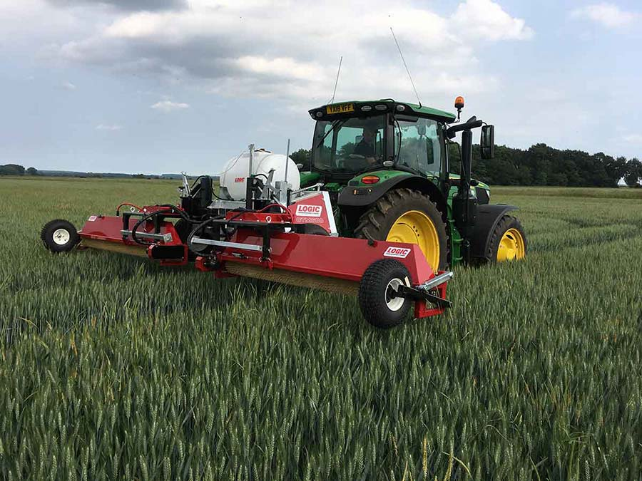 Tractor Mounted Weed Wiper - CTM600 (Grassland) 03