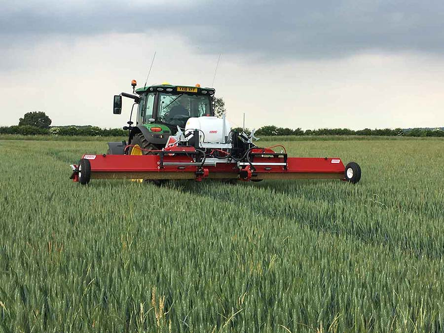 Tractor Mounted Weed Wiper - CTM600 (Grassland) 02