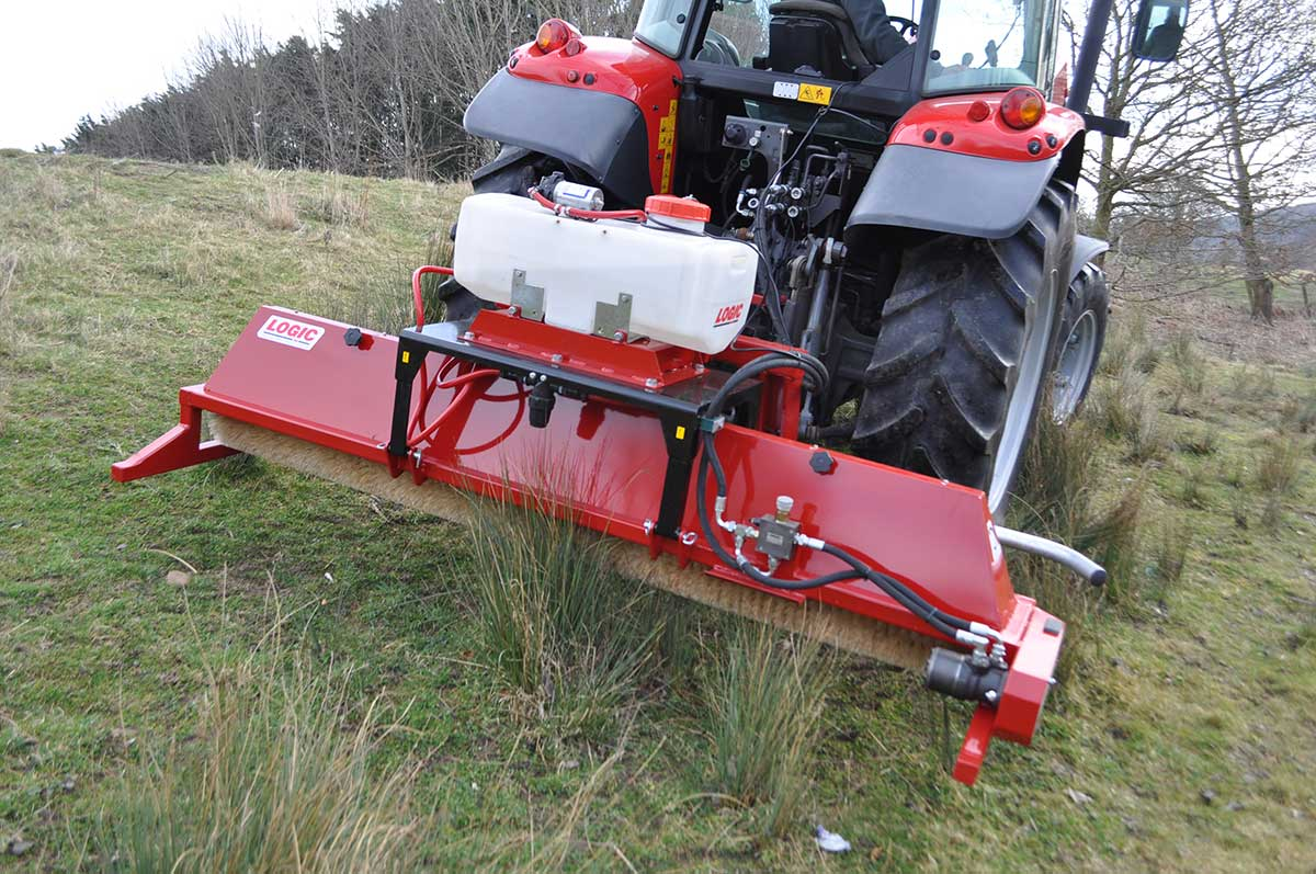 CTM250 compact tractor weed wiper detail 01