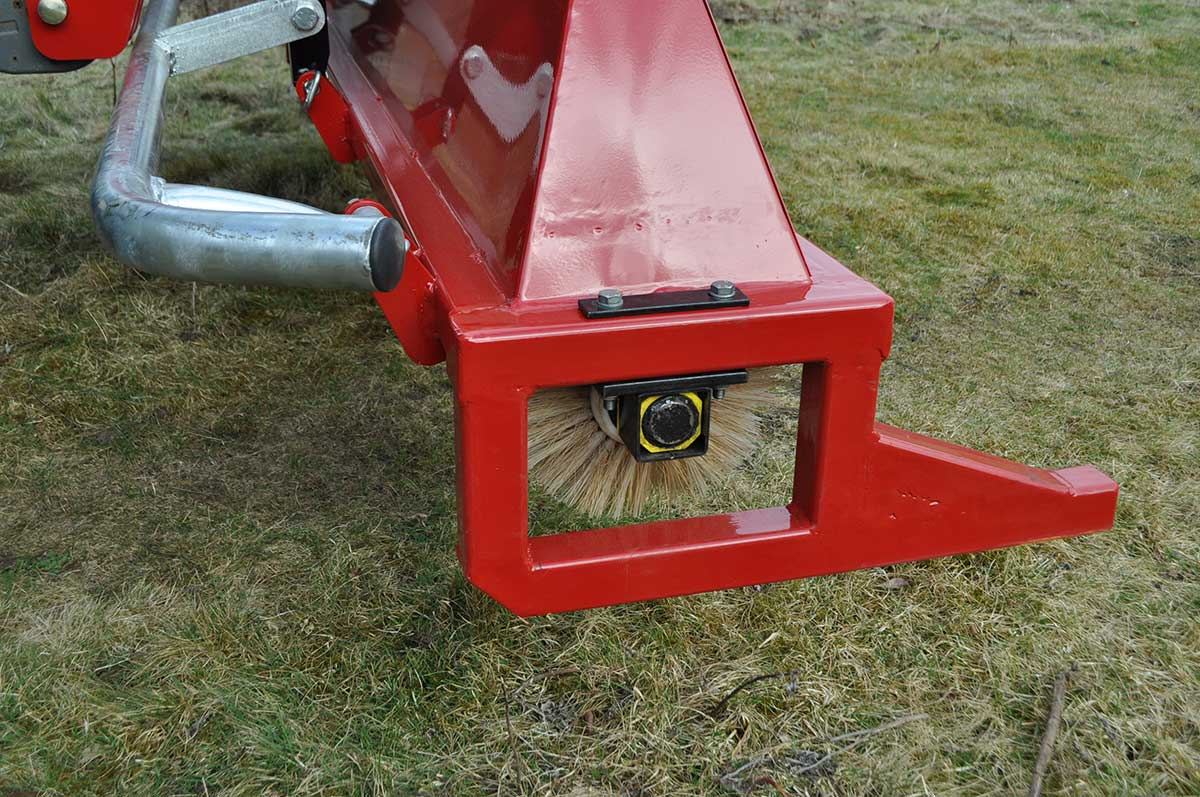 CTM250 compact tractor weed wiper detail 06