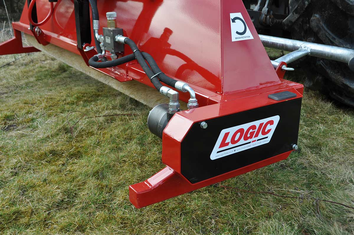 CTM250 compact tractor weed wiper detail 07