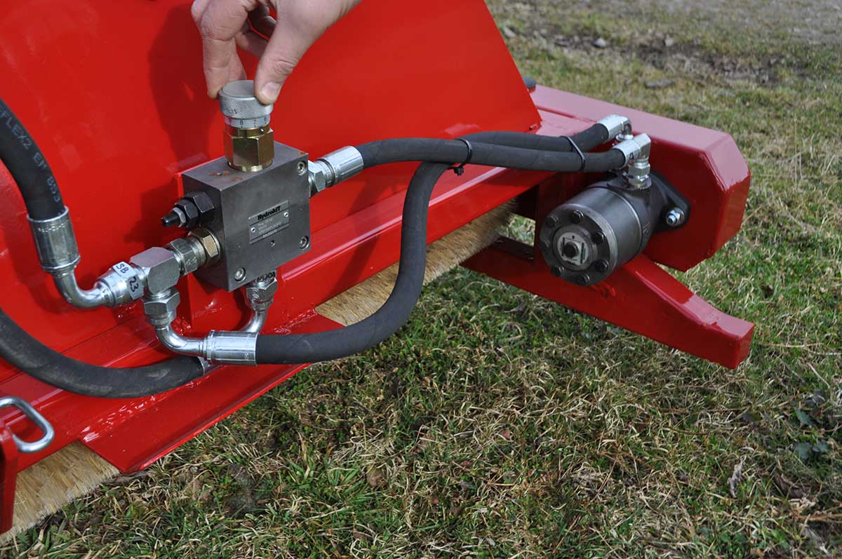 CTM250 compact tractor weed wiper detail 05