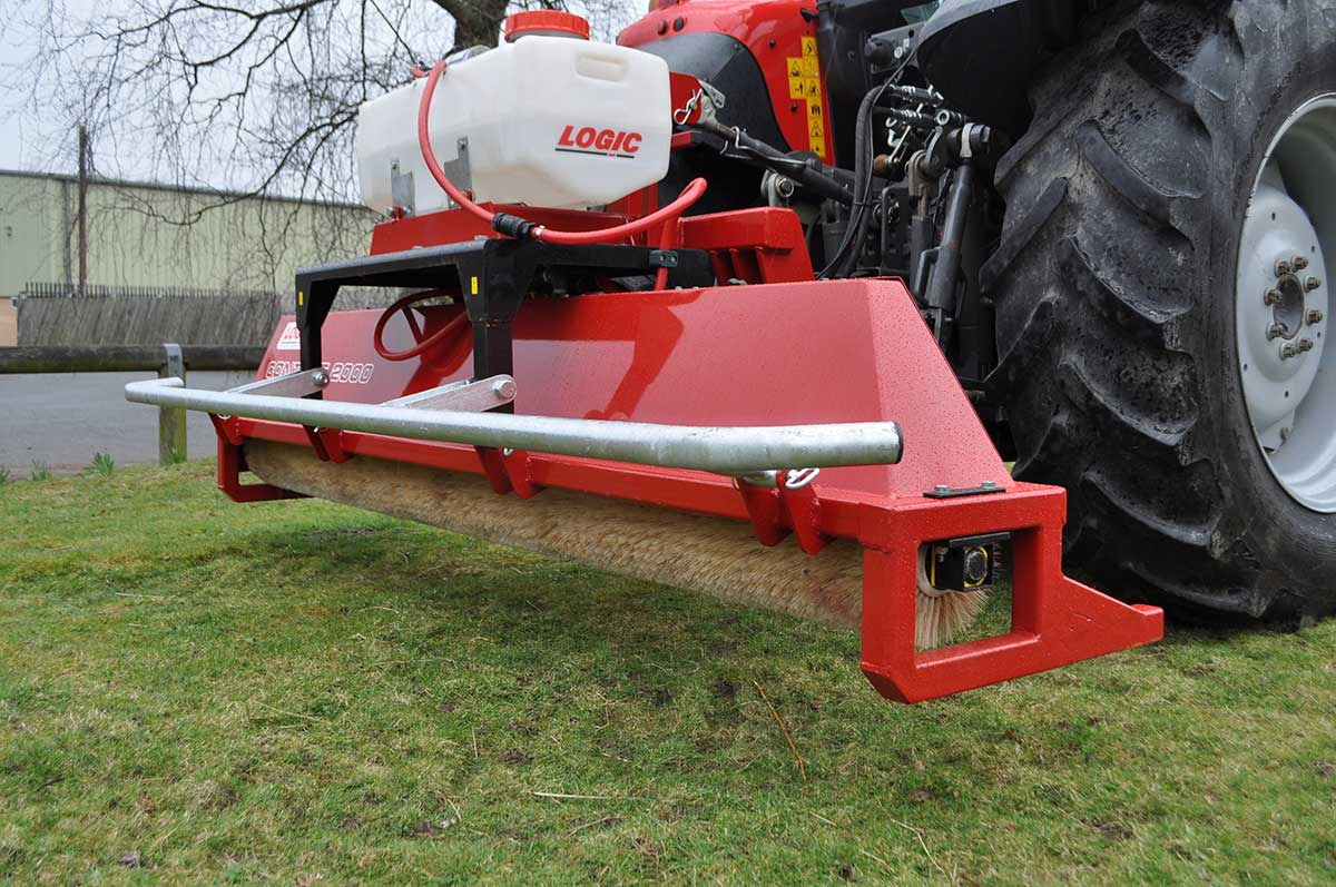 CTM250 compact tractor weed wiper detail 03