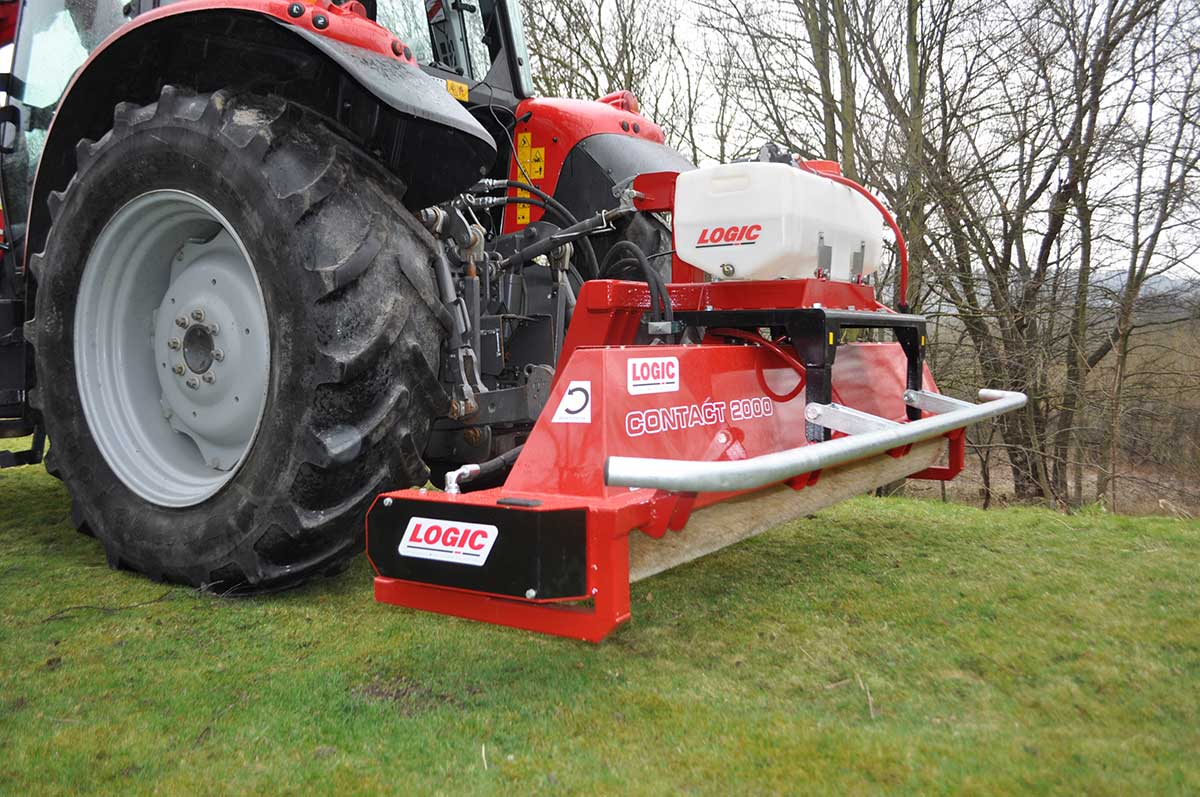 CTM250 compact tractor weed wiper detail 02