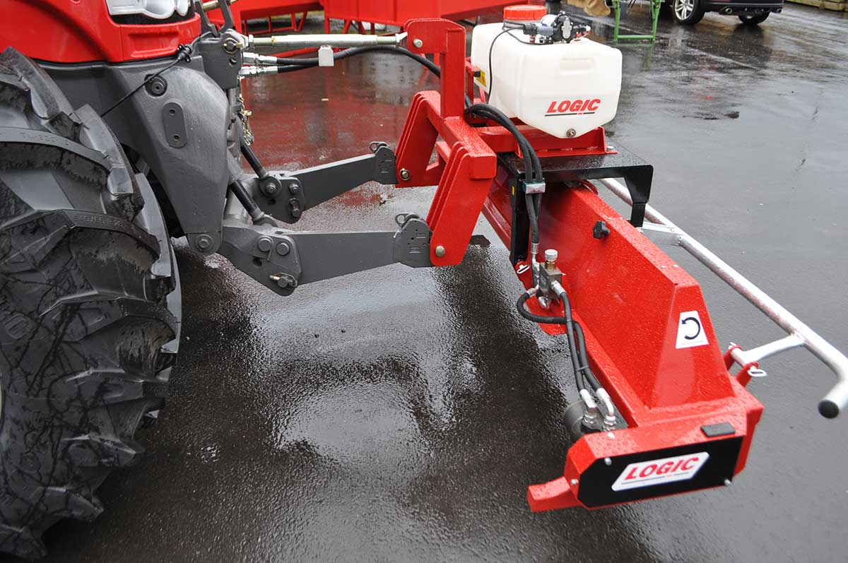 CTM250 compact tractor weed wiper detail 04