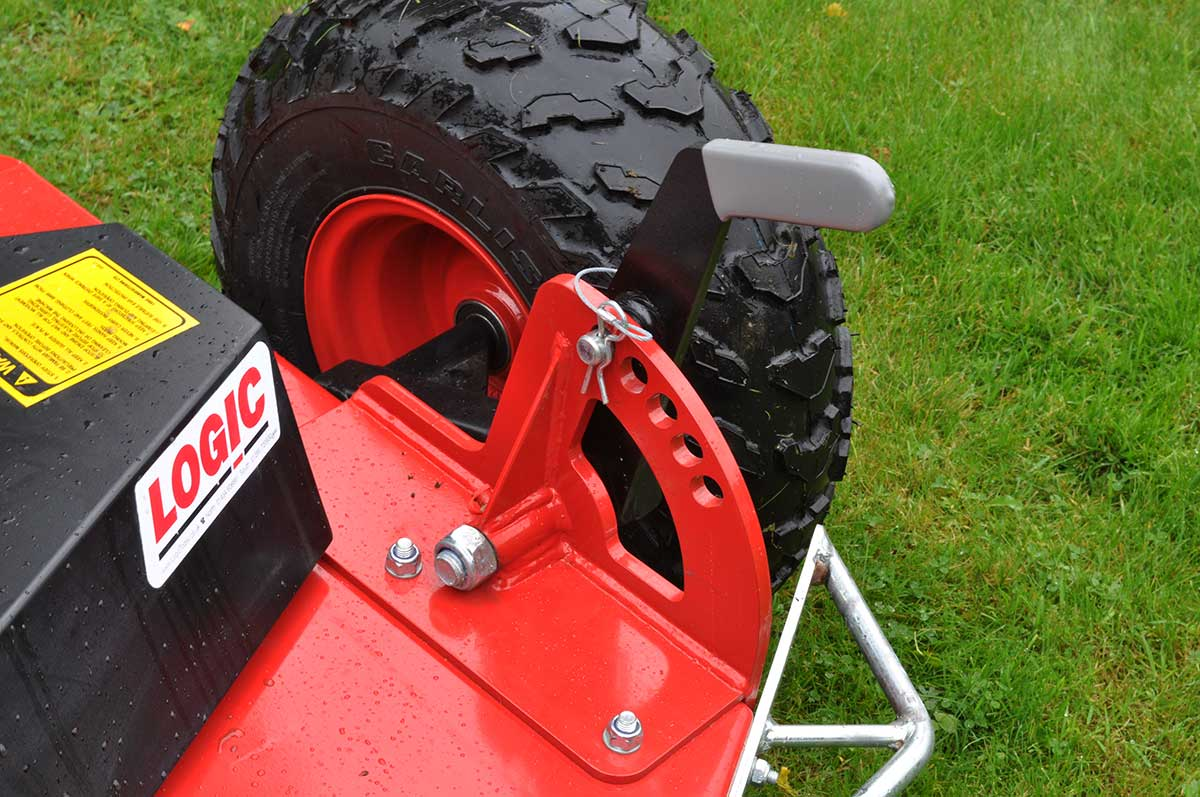 Logic Rotary Mower/Topper TRM detail close up 02