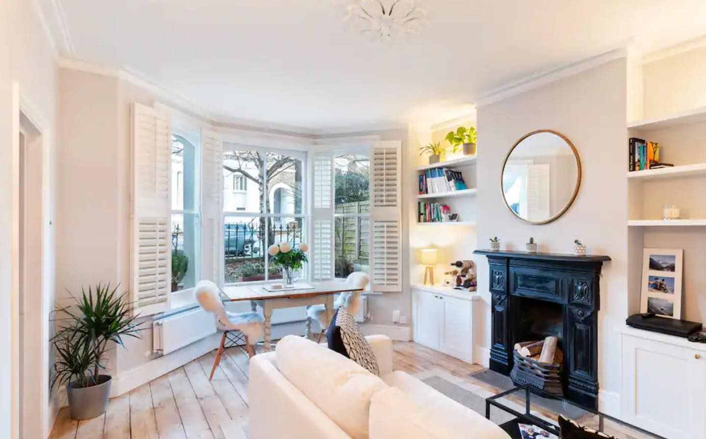Beautiful & Cosy 1-Bedroom Apartment in Clapham available to book now @stayinlondon.co.uk #airbnb #booking #apartamento