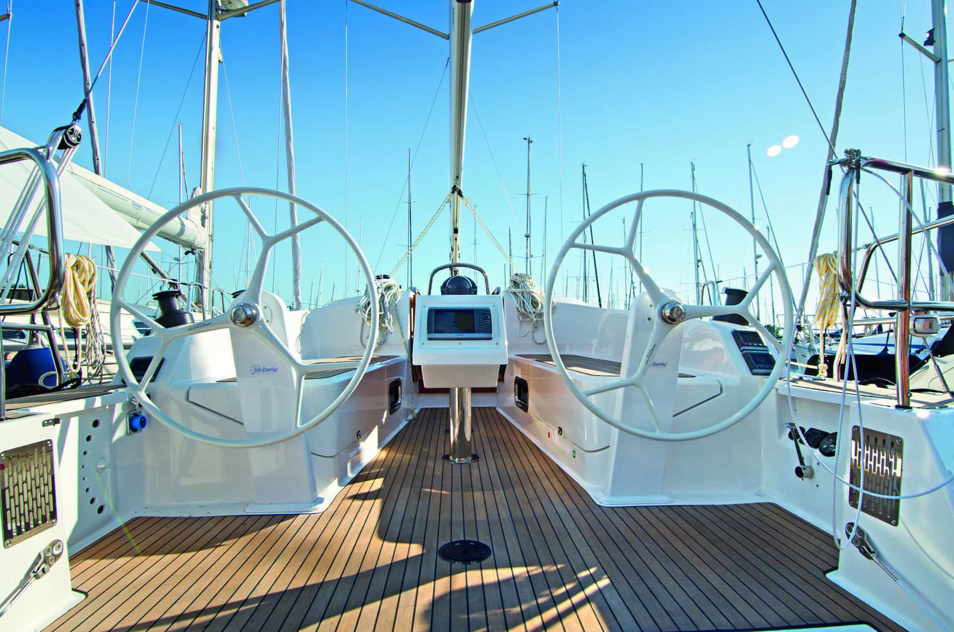 Bavaria Cruiser 37 exteriör