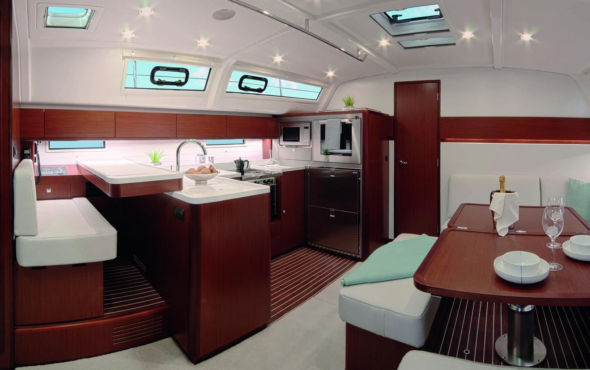 Bavaria Cruiser 51 STYLE interiör