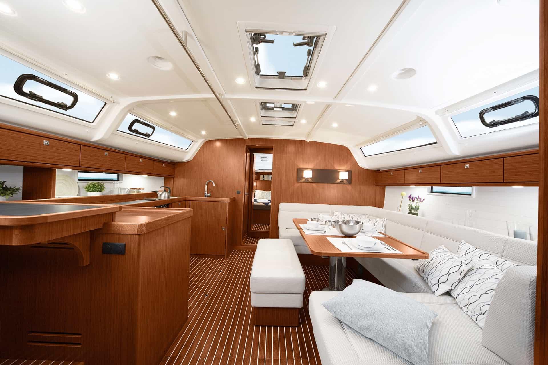 Bavaria Cruiser 51 interiör
