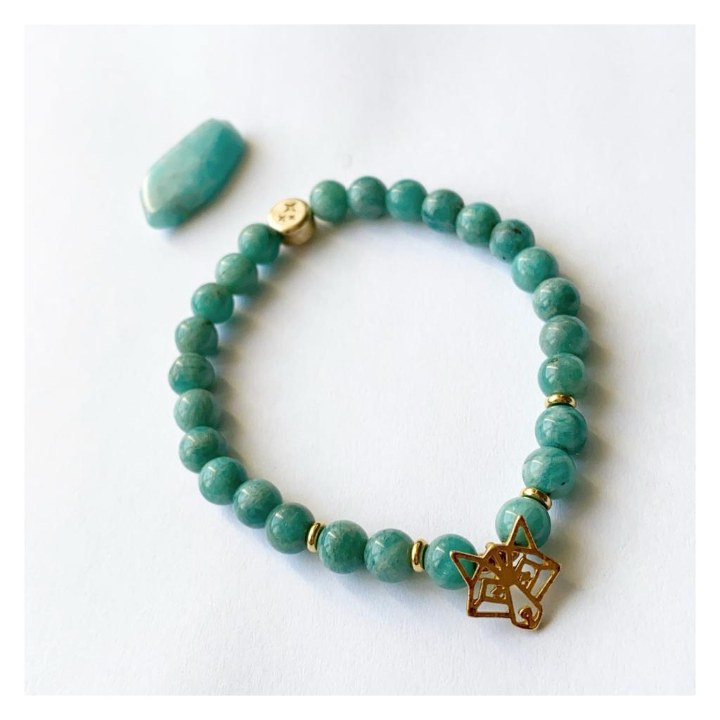 bracelet avec logo gravé sur la perle