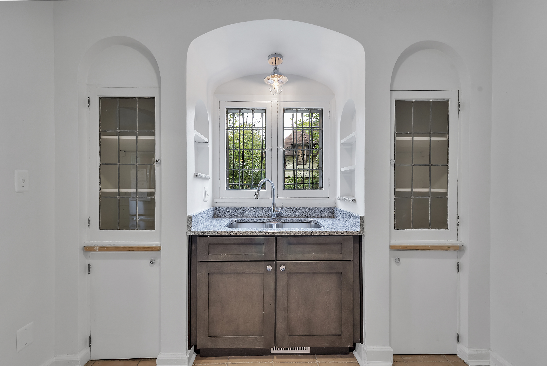 Character Kitchen Renovation Design #livingcityarch