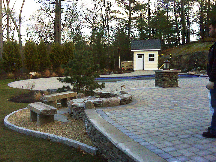 new england landscaper Melrose, MA granite benches, natural stone fire pit