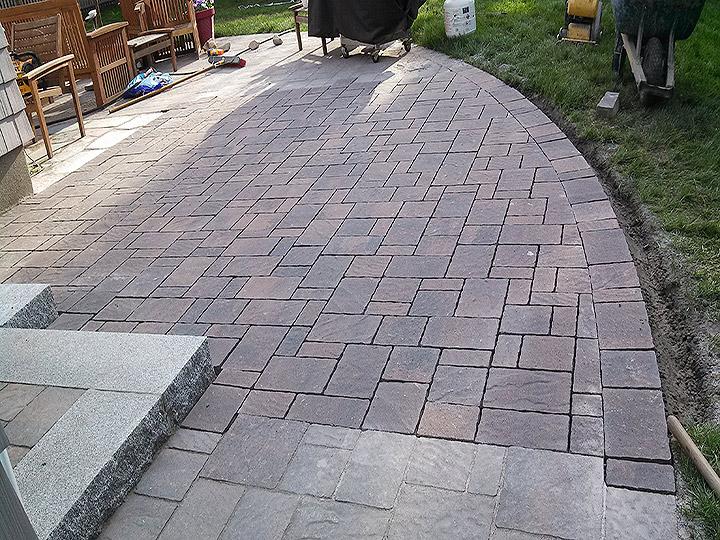 new england landscaper Medford, MA granite step, paver patio