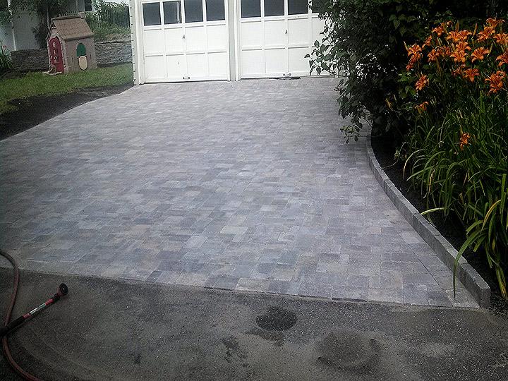 new england landscaper Arlington, MA paver driveway