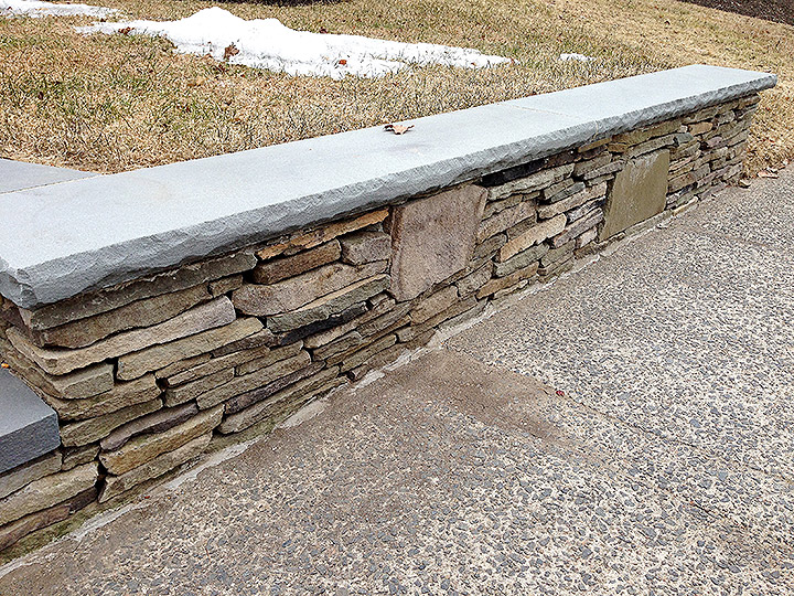 new england landscaper Lynnfield, MA natural stone wall