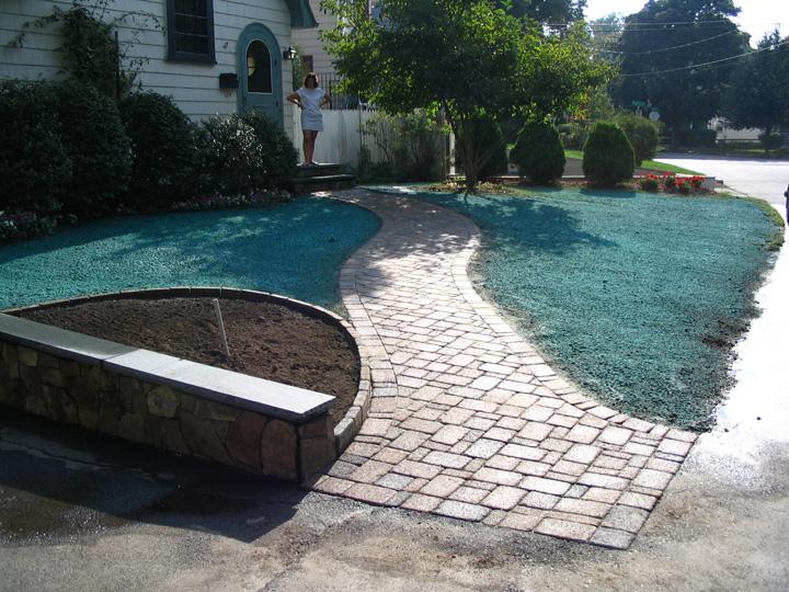 new england landscaper Medford, MA natural stone veneer, paver walkway