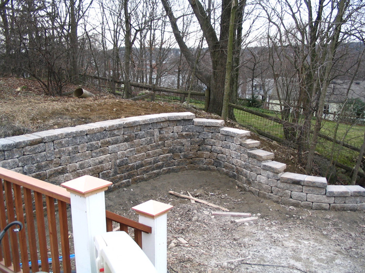 new england landscaper Arlington, MA retaining wall