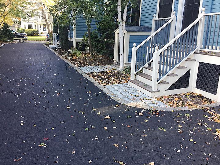 new england landscaper North Reading, MA cobblestone path, cobblestone edging, drywell, driveway