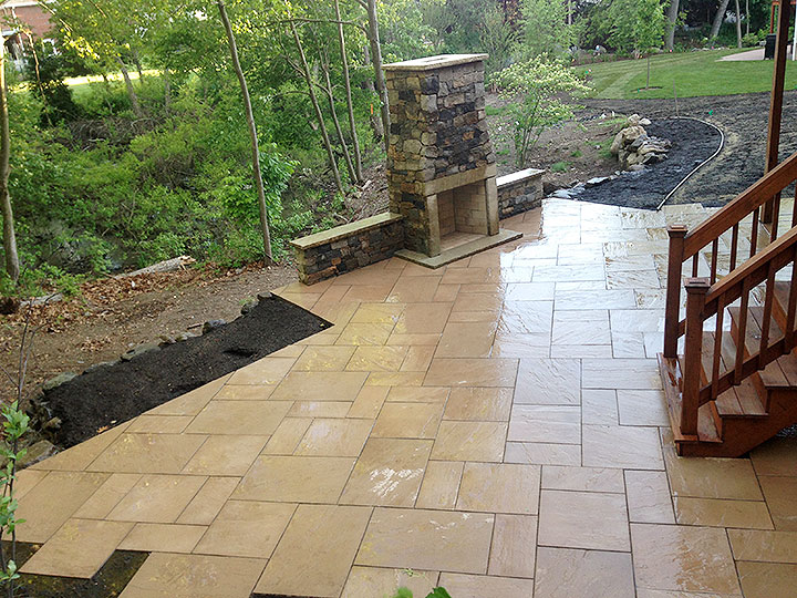new england landscaper North Reading, MA natural stone wall, outdoor fireplace, paver patio