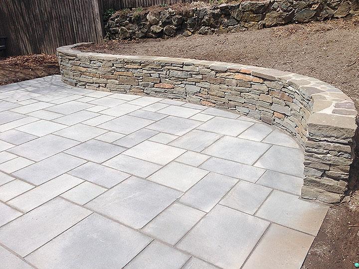new england landscaper Andover, MA natural stone wall, thermal bluestone patio